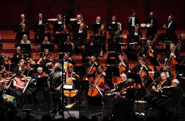 symphonieorchester sucht dirigent